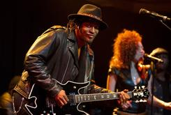 "D'Angelo To Reissue The Extremely Rare ""Live At The Jazz Cafe"""