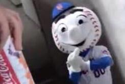 """New York Mets Fire Mascot """"Mr Met"""" For Giving Fans The Middle Finger"""