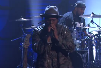 "ScHoolboy Q & BJ The Chicago Kid Perform ""Studio"" Live On Conan"