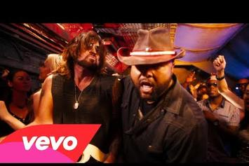 "Billy Ray Cyrus Feat. Buck 22 ""Achy Breaky Heart (Rap Remix)"" Video"