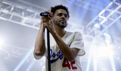 """J Cole's """"4 Your Eyez Only"""" Goes Platinum"""