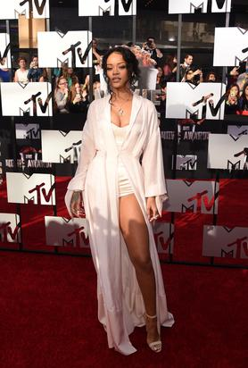 Another Rihanna pic from the red carpet. Image via Getty.