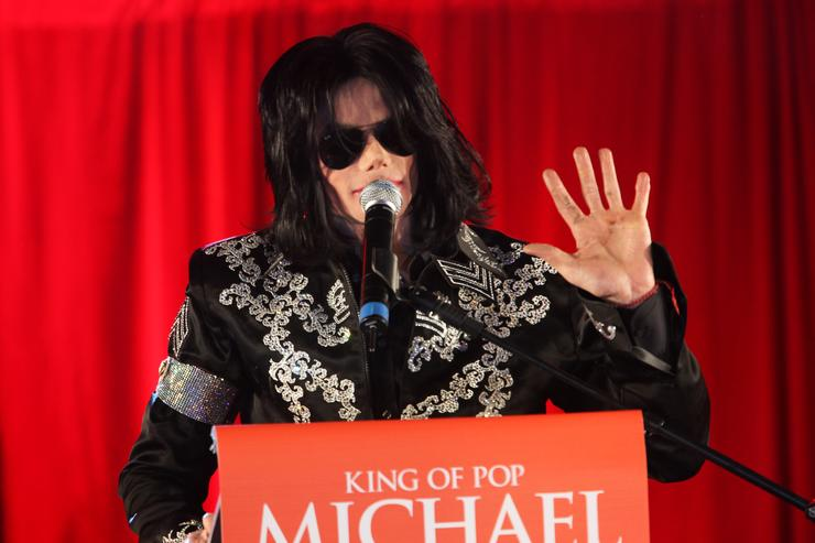 For Summer Residency At The O2... People:Michael Jackson By:Tim Whitby Getty Images Entertainment 85260095 Michael Jackson announces plans for Summer residency at the O2 Arena at a press conference held at the O2 Arena on March 5 2009 in London England EDEditorial Subscription March 05, 2009 Michael Jackson Announces Plans For Summer Residency At The O2