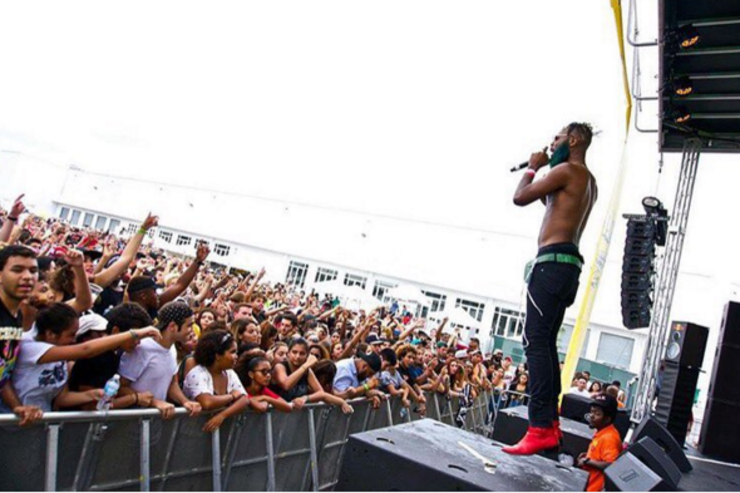 Rome Fortune performs.