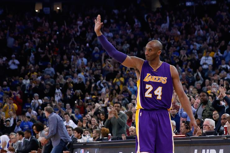 Kobe Bryant against the Golden State Warriors in 2015.