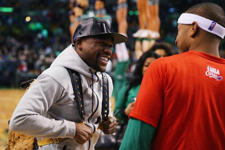 Floyd Mayweather Jr. talk to Isaiah Thomas.