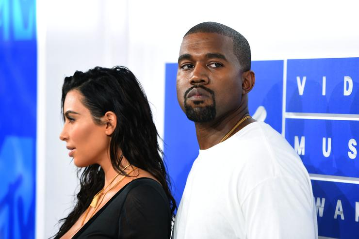 Kanye West at MTV VMAs red carpet with Kim Kardashian