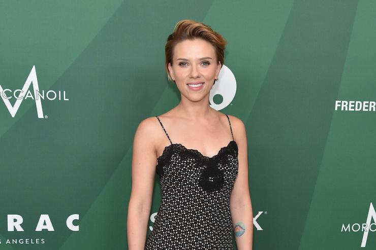 Actress Scarlett Johansson attends Variety's Power of Women Luncheon 2016 at the Beverly Wilshire Four Seasons Hotel on October 14, 2016 in Beverly Hills, California.