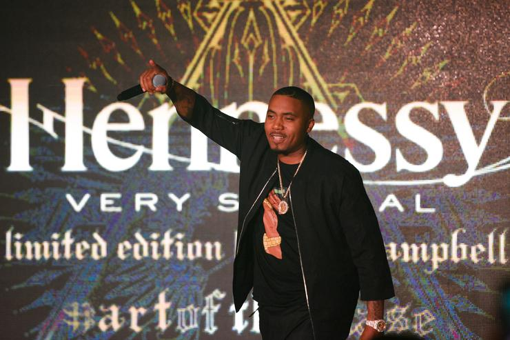 Nas on stage